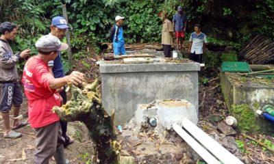 HIPPA dari 5 Desa, Kecamatan Kabat saat meninjau dua tandon air minum milik HIPAM Desa Bayu dan warga Kecamatan Songgon. (Ant)