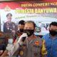 Kapolresta Banyuwangi Kombes Pol Arman Asmara Syarifuddin saat menggelar jumpa pers dugaan pembunuhan warga Dusun Karangrejo, Desa Temuasri, Kecamatan Sempu. (ras)