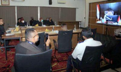 Menko Kemaritiman dan Investasi (Kemenko Marves), Luhut Binsar Pandjaitan, saat memimpin Rakor pengembangan Banyuwangi, Selasa (4/8)